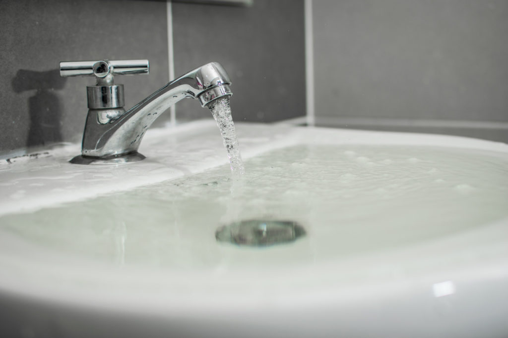 Over flowing sink can flood apartment