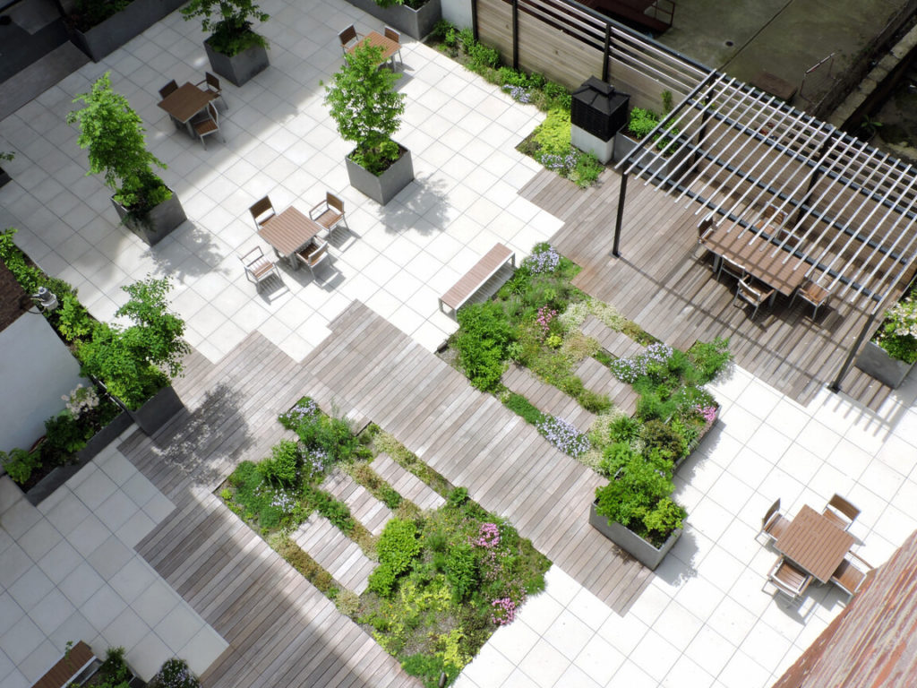 Exterior office spaces in New York City by EXD Architecture and the Christian Duvernois Landscape/Studio
